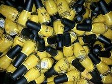 W&W nagellak Spoiled- Geel - nr.101 (12 stuks)